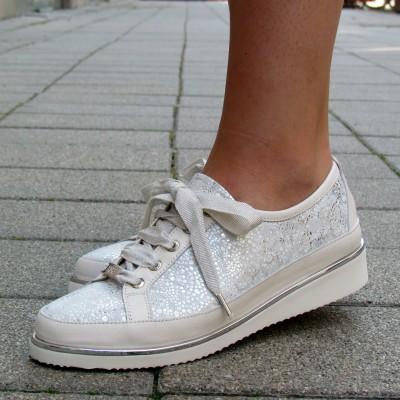 Alexandra fehér-ezüst fűzős