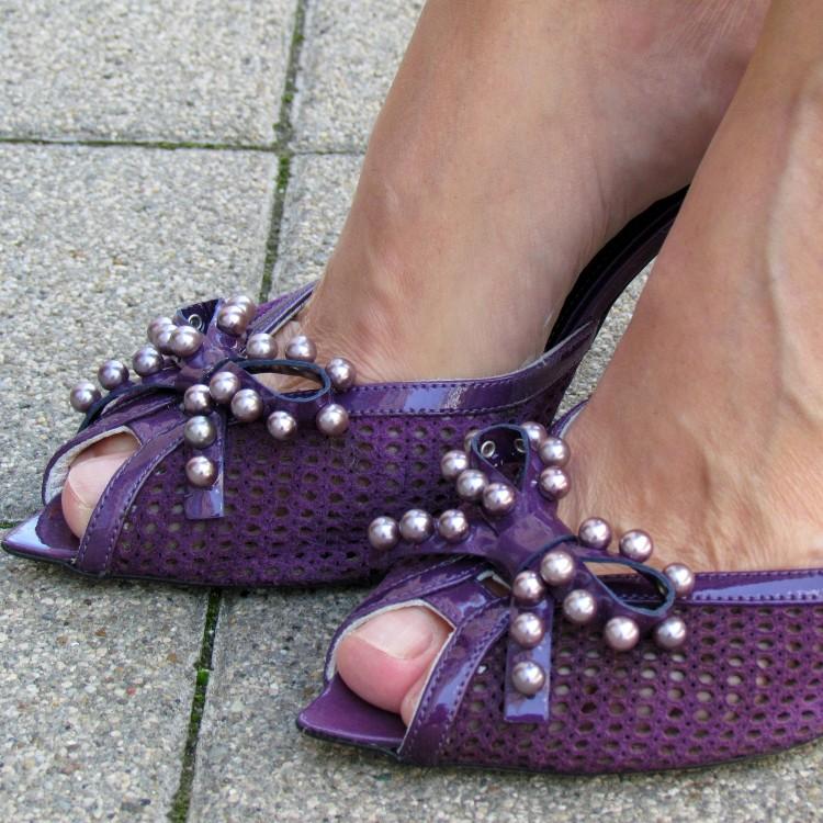 Angela Falconi lila magassarkú szandál