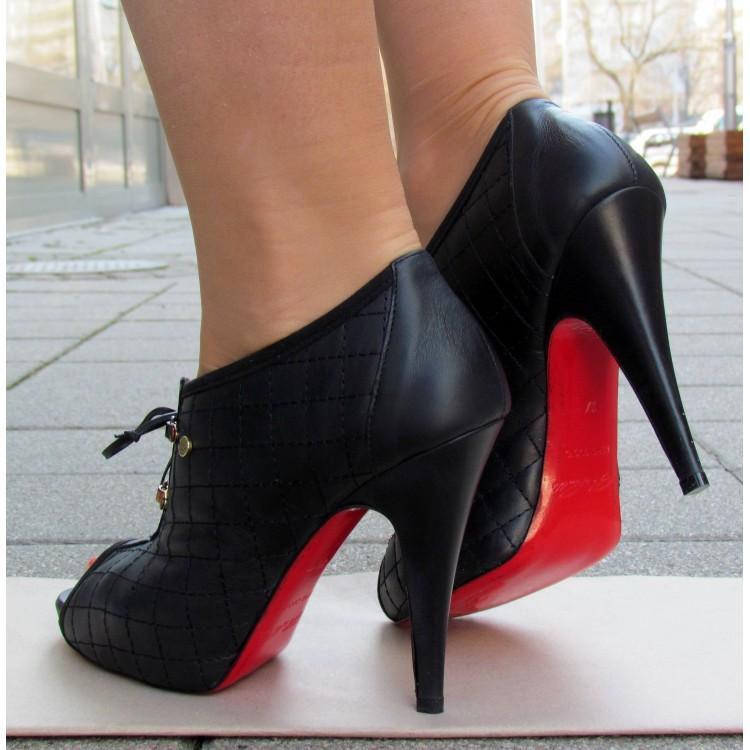 Cango&Rinaldi fekete fűzős cipő