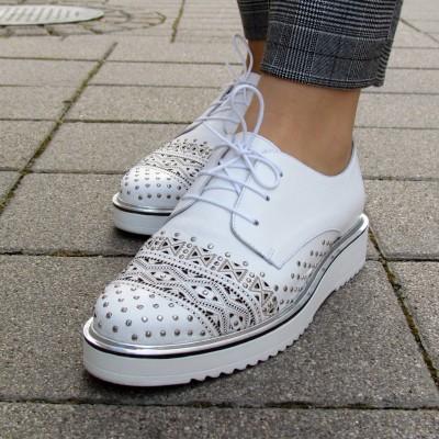 Dansi fehér fűzős cipő