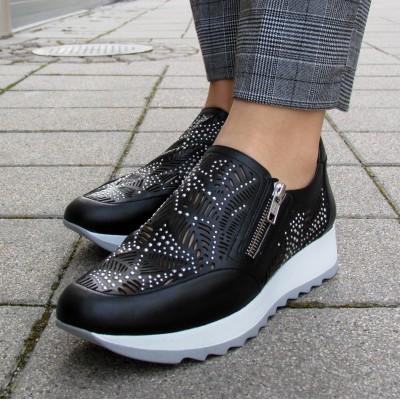Dansi fekete cipzáras cipő