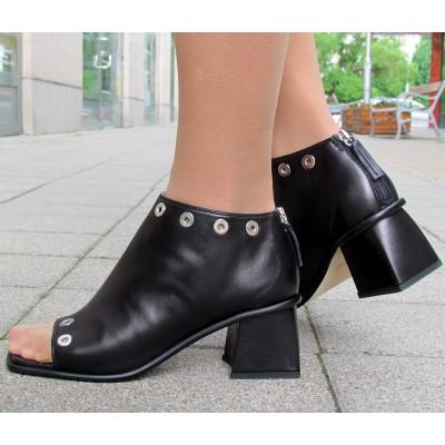 Giovanna Grazzini fekete elöl nyitott cipő