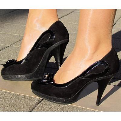 Nouchka fekete velúr cipő