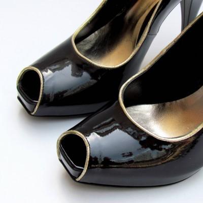 Orietta Mancini fekete elöl nyitott cipő