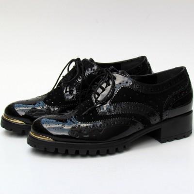 Loretta Pettinari fekete fűzős cipő
