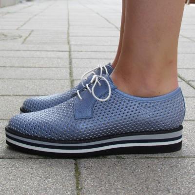 Pertini világoskék lyukacsos cipő