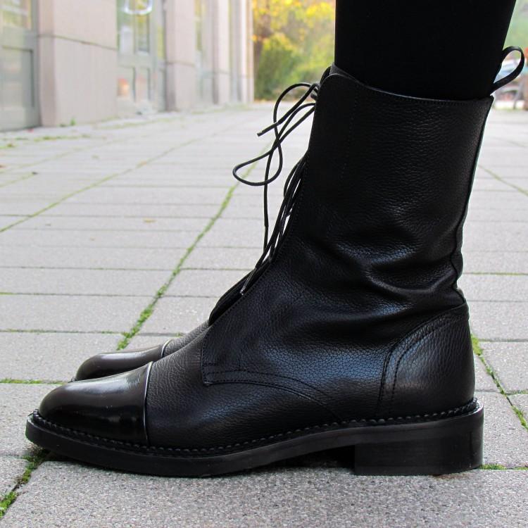 Pertini fekete fűzős bakancs