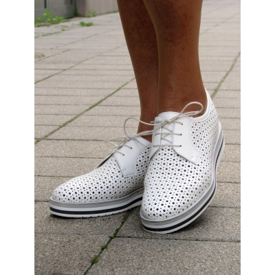Pertini fehér lyukacsos cipő