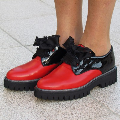 Pertini piros-fekete fűzős cipő