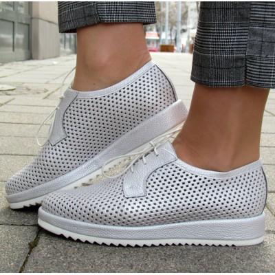 Pertini ezüst lyukacsos cipő