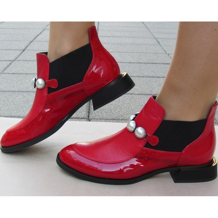 Zocal piros gyöngyös bokacipő