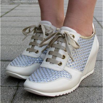 Zocal telitalpú fűzős cipő
